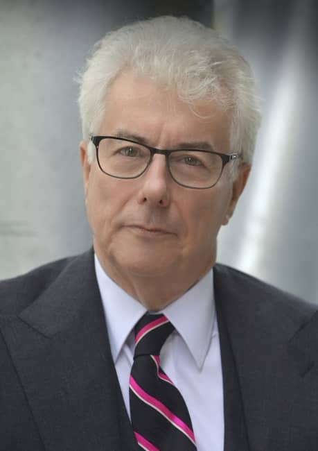 Das Fundament der Ewigkeit - On The Trail of History- Video - Ken Follett (Englisch)